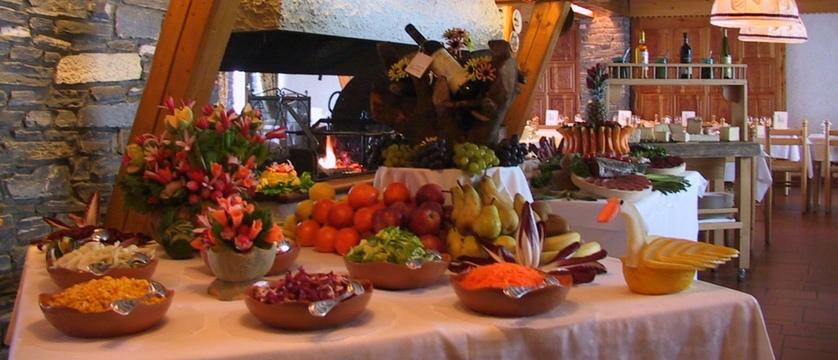 italy_cervinia_hotel_valdotain_buffet.jpg